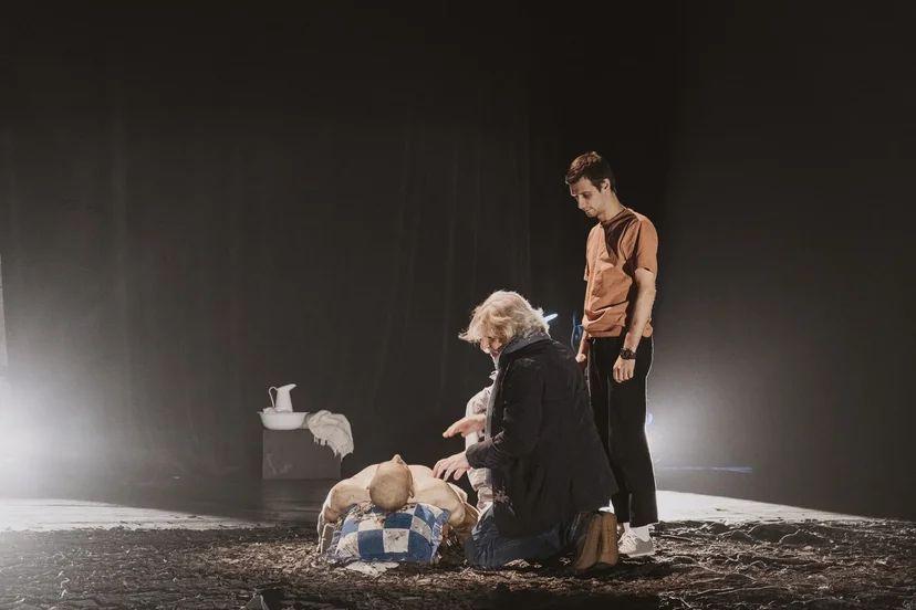 8 октября премьера спектакля «Антигона»!